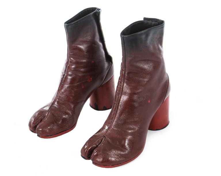 Margiela red leather painted tabi boots, fw 1995 For Sale 1
