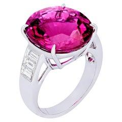 Margot McKinney 18 Karat Gold Ring with an oval Rubelite with 6 White Diamonds