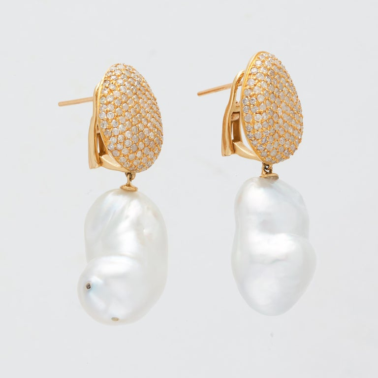 Margot McKinney 18 Karat Gold South Sea Pearl and White Diamond Drop Earrings In New Condition For Sale In Brisbane AU , Queensland