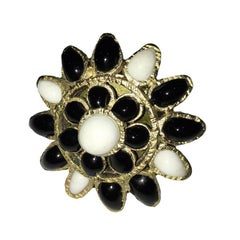MARGUERITE DE VALOIS Byzantine Ring in Black and White Molten Glass