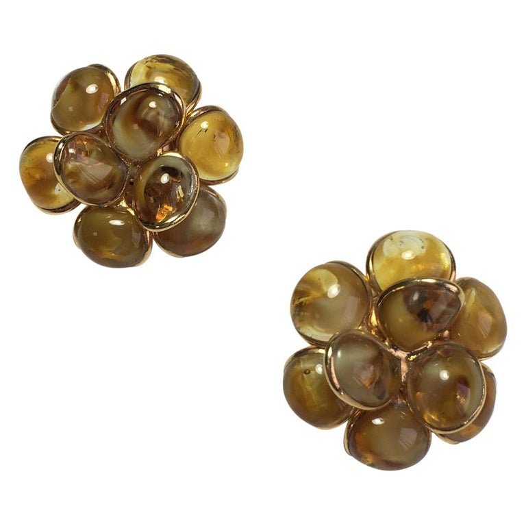 MARGUERITE DE VALOIS Clip-on Earrings For Sale