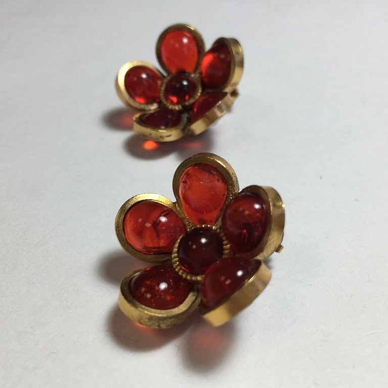 Marguerite De Valois Flower Clip Earrings In New Condition For Sale In Paris, FR