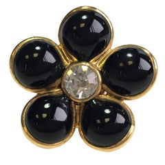 MARGUERITE DE VALOIS Flower Ring in Black Molten Glass with a Rhinestone