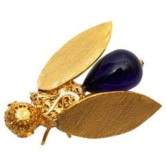 MARGUERITE DE VALOIS Sapphire Bee Brooch