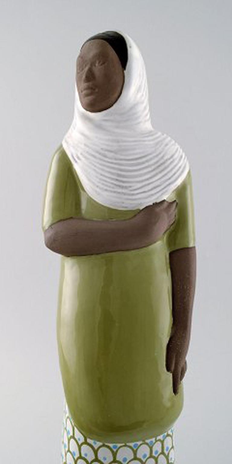 Mari Simmulson Figure, Ceramics, Upsala-Ekeby, Indonesian Woman In Excellent Condition For Sale In Copenhagen, Denmark