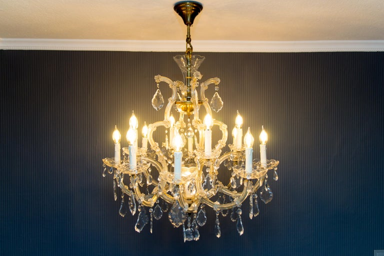 Maria Theresa Style Thirteen-Light Crystal Chandelier, 1950s In Good Condition For Sale In Barntrup, DE