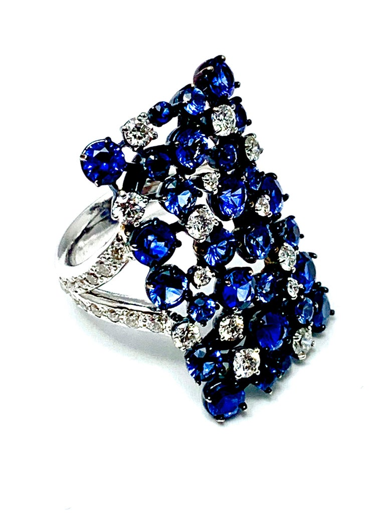 Round Cut Mariani Manhattan Sapphire and Diamond Ring in 18 Karat Blue and White Gold For Sale