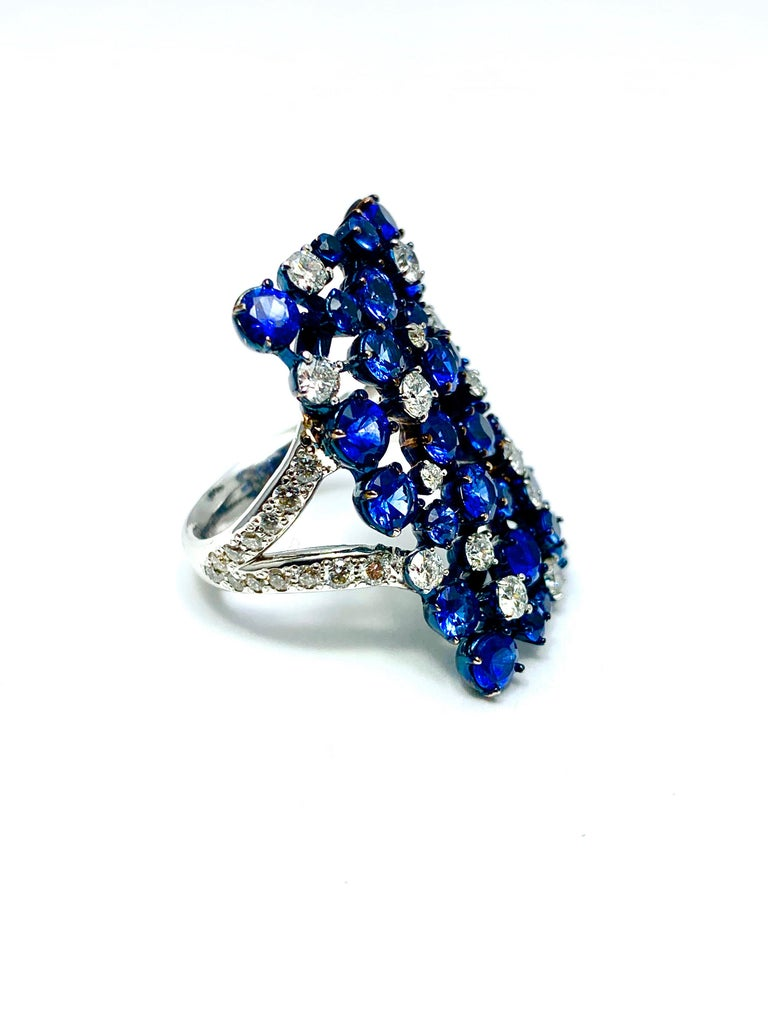 Women's or Men's Mariani Manhattan Sapphire and Diamond Ring in 18 Karat Blue and White Gold For Sale