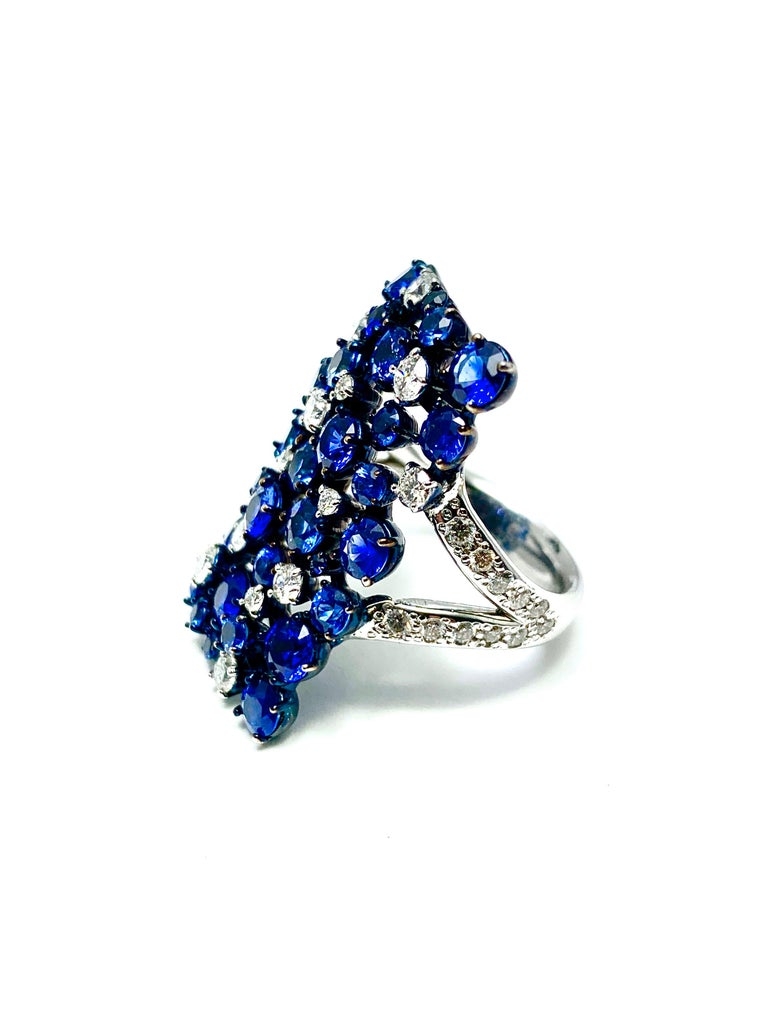 Mariani Manhattan Sapphire and Diamond Ring in 18 Karat Blue and White Gold For Sale 1