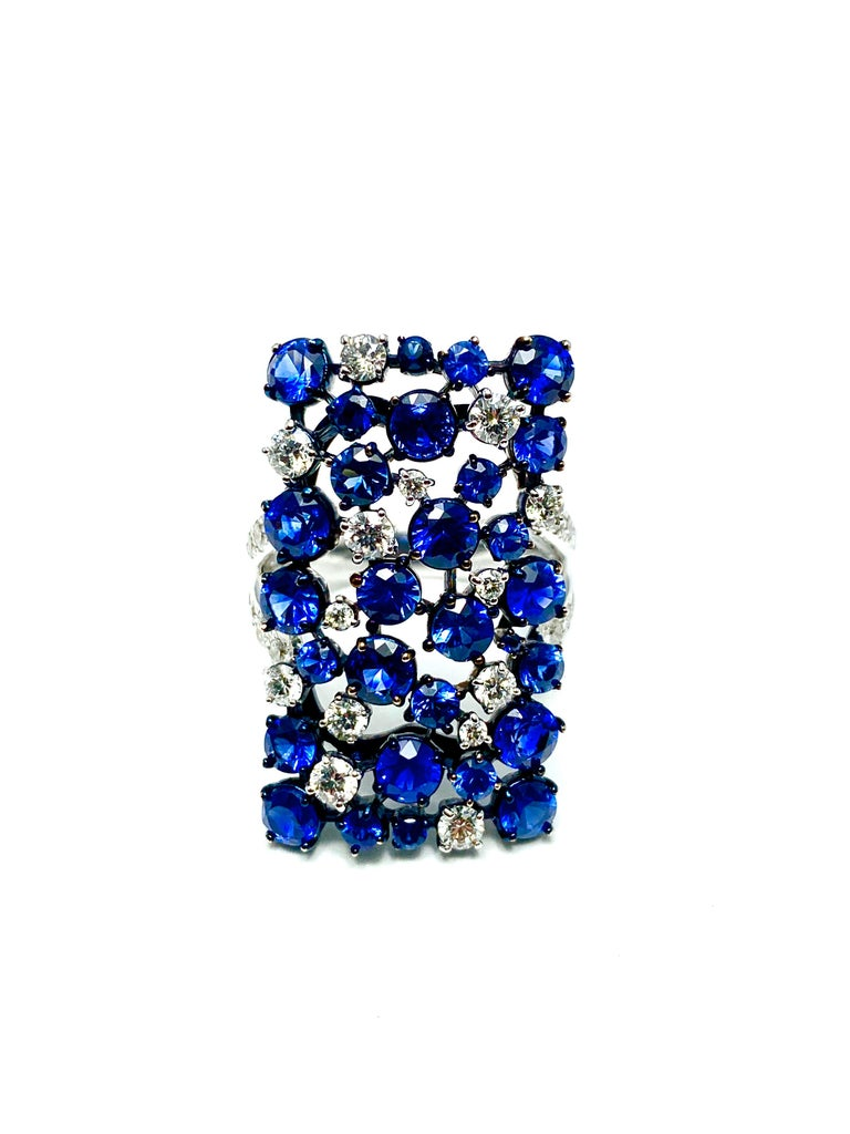 Mariani Manhattan Sapphire and Diamond Ring in 18 Karat Blue and White Gold For Sale 2