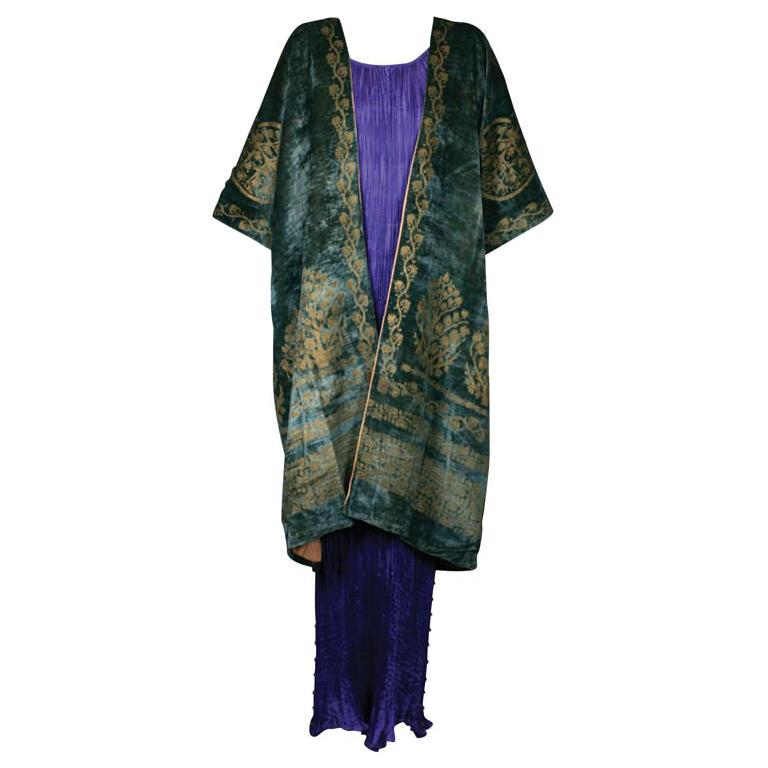Mariano Fortuny Green Stencilled Velvet Long Coat For Sale