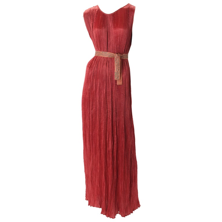 """Mariano Fortuny Pleated Coral Silk """"Delphos"""" Gown, c.1920s. For Sale"""