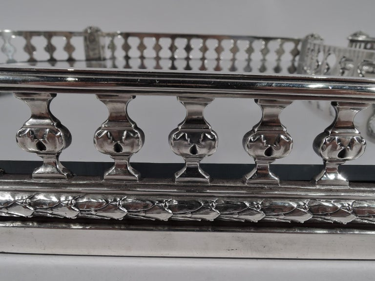Marie Antoinette's Temple d'Amour Centerpiece with Mirrored Plateau For Sale 6