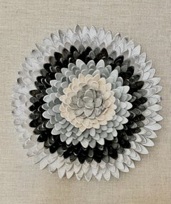 Flos 1- 3D nature inspired floral grey silver clay composition in plexiglass box