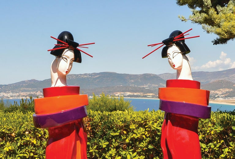 Gueishas - Monumental Contemporary Resin Outdoor Scuptures For Sale 8