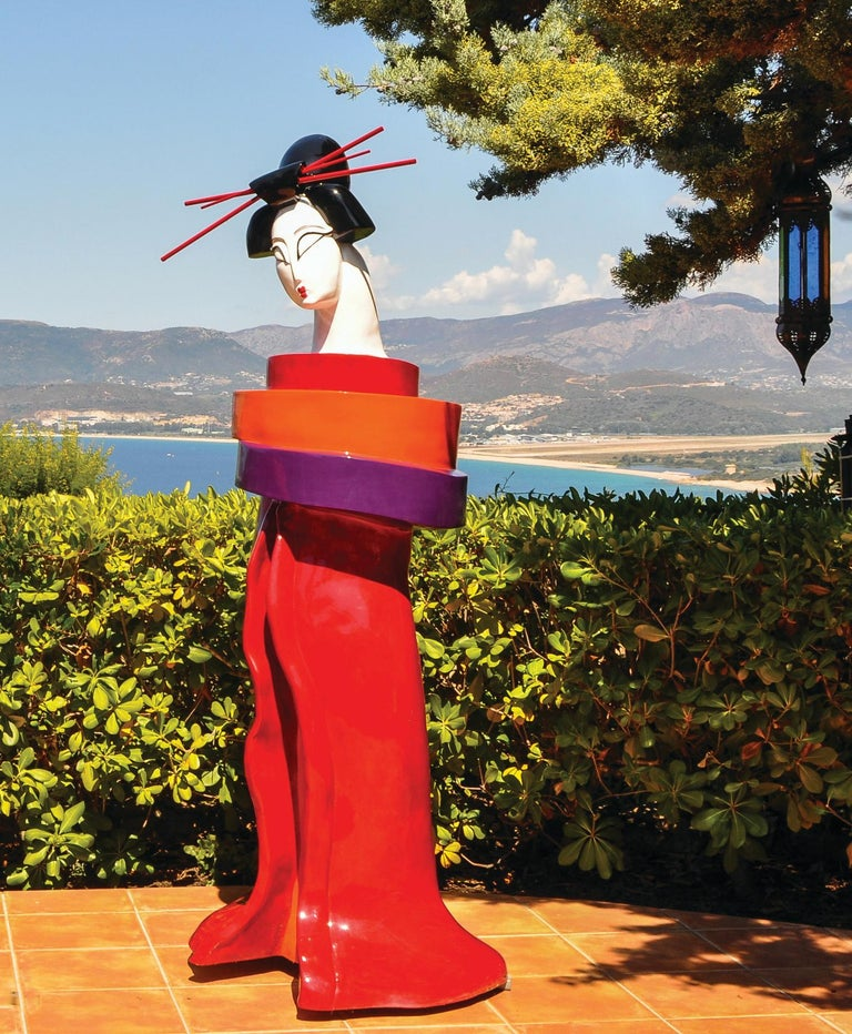 Gueishas - Monumental Contemporary Resin Outdoor Scuptures For Sale 1