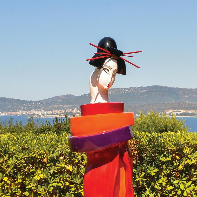 Gueishas - Monumental Contemporary Resin Outdoor Scuptures For Sale 5