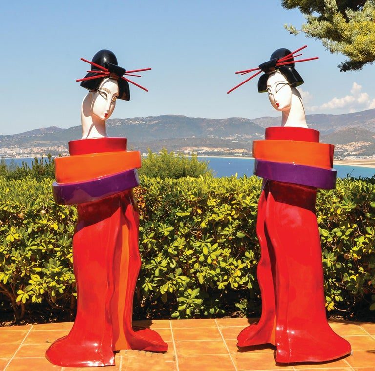 Gueishas - Monumental Contemporary Resin Outdoor Scuptures - Sculpture by Mariko