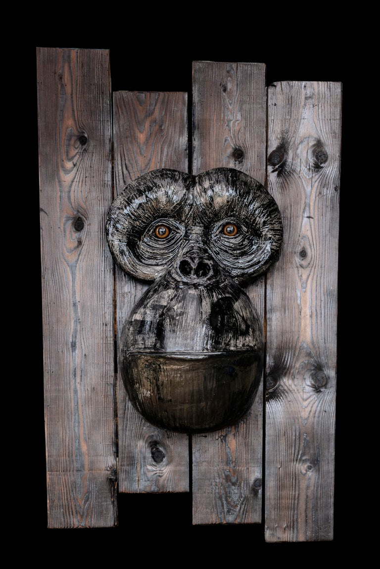 Monkey's Face - Sculpture by Mariko