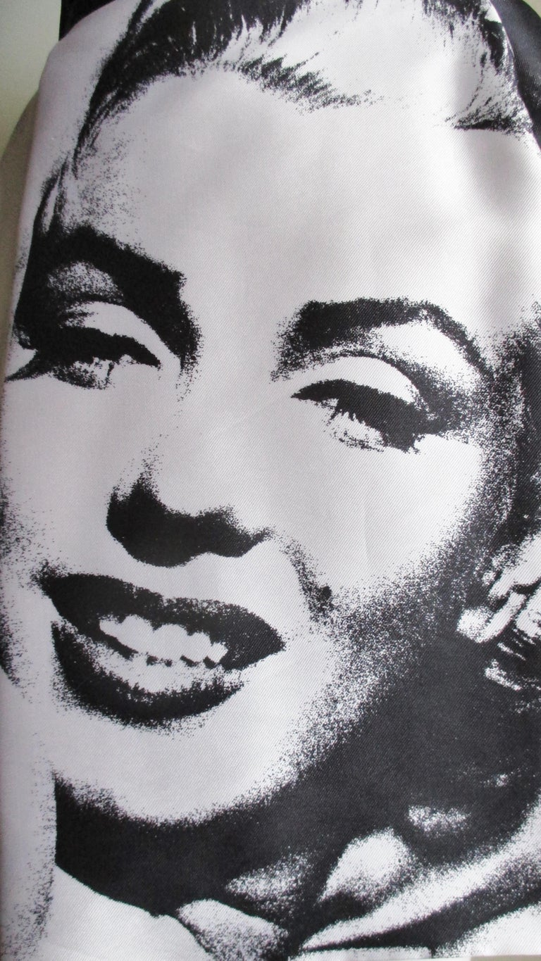 Dolce & Gabbana Marilyn Monroe Print Skirt In Good Condition For Sale In Watermill, NY