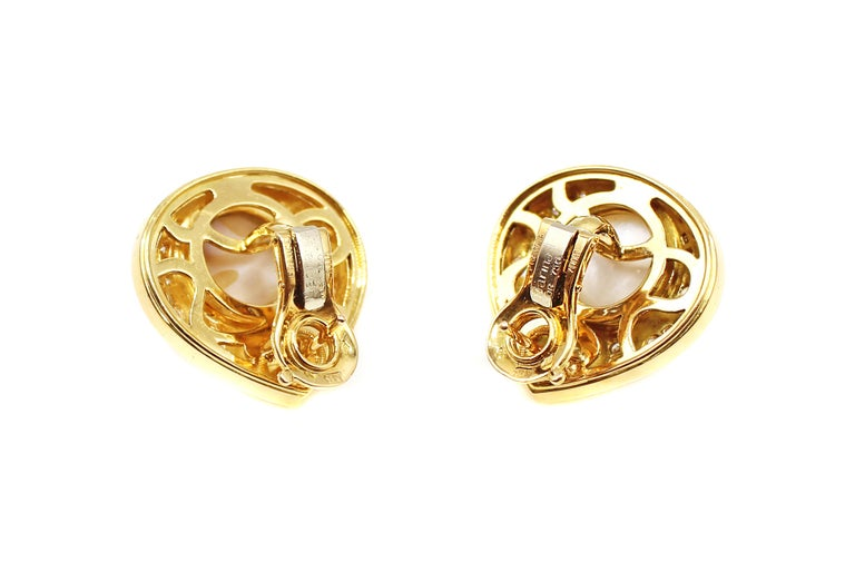 Marina B Diamond Pearl Teardrop 18 Karat Yellow Gold Ear Clips In Excellent Condition For Sale In New York, NY