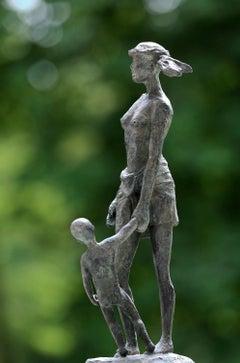 La Vie devant soi (All the time in the world) - bronze sculpture, maternity