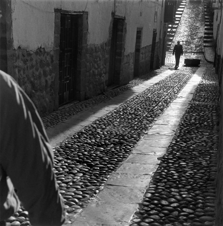 Mario Algaze Black and White Photograph - Encuentro, Cuzco, Peru