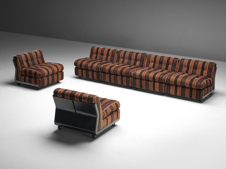 Mid-Century Modern Mario Bellini 'Amanta' Modular Sofa in Original Fabric, 1966 For Sale