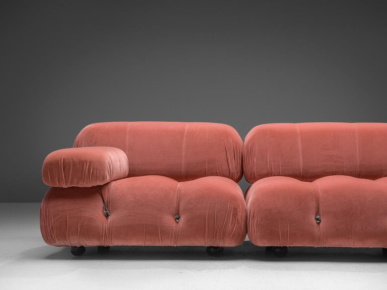 Mario Bellini Camaleonda Modular Sofa in Rose Fabric In Good Condition For Sale In Waalwijk, NL