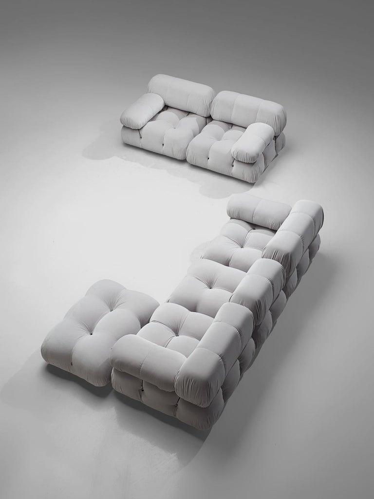 Mario Bellini Camaleonda Modular Sofa Reupholstered in Ice Grey Velvet In Good Condition For Sale In Waalwijk, NL
