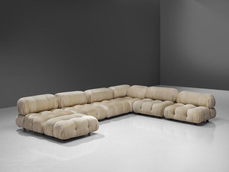 Mid-Century Modern Mario Bellini 'Camaleonda' Modular Sofa Reupholstered in Ivory White Fabric For Sale