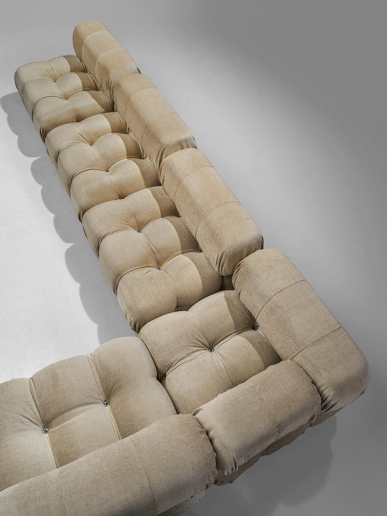 Mario Bellini 'Camaleonda' Modular Sofa Reupholstered in Ivory White Fabric In Excellent Condition For Sale In Waalwijk, NL