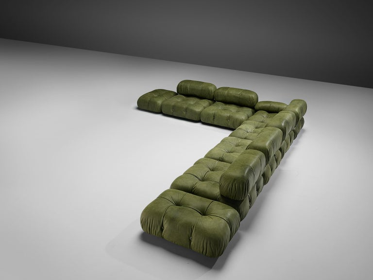 Mario Bellini 'Camaleonda' Sectional Sofa in Green Leather In Good Condition For Sale In Waalwijk, NL