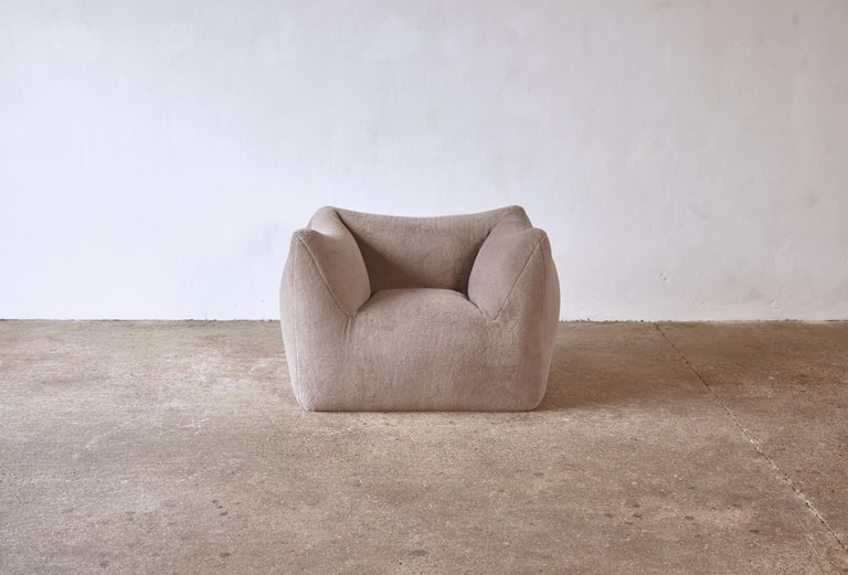 A beautiful Mario Bellini Le Bambole lounge chair, newly upholstered in luxury 100% Alpaca, produced by B&B Italia, Italy in the 1970s. Marked on the underside. A matching sofa is available - please see our other listings. Fast shipping