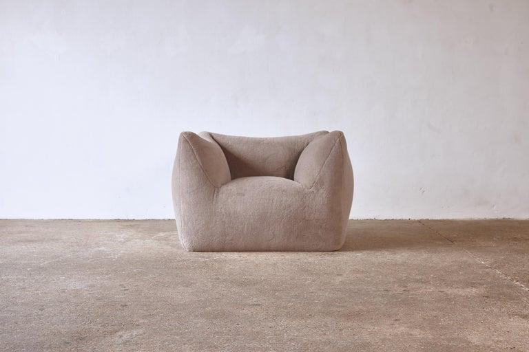 Mid-Century Modern Mario Bellini Le Bambole Lounge Chair, Upholstered in Alpaca, B&B Italia, 1970s For Sale