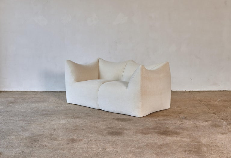 Mid-Century Modern Mario Bellini Le Bambole Sofa, Upholstered in Alpaca, B&B Italia, 1970s For Sale