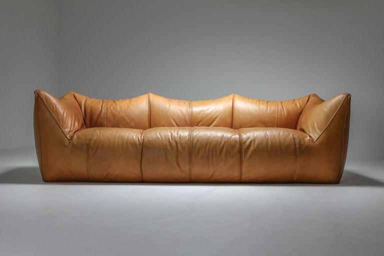 Mario Bellini 'Le Bambole' Three-Seat Couch in Tan Leather In Good Condition For Sale In Antwerp, BE