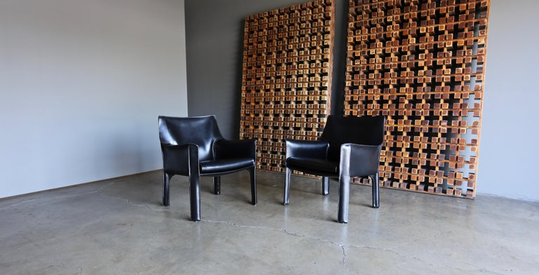Mario Bellini Leather Cab Lounge Chairs for Cassina In Good Condition For Sale In Costa Mesa, CA