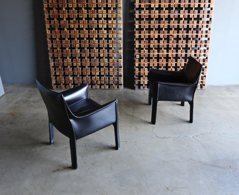 Mario Bellini Leather Cab Lounge Chairs for Cassina For Sale 1