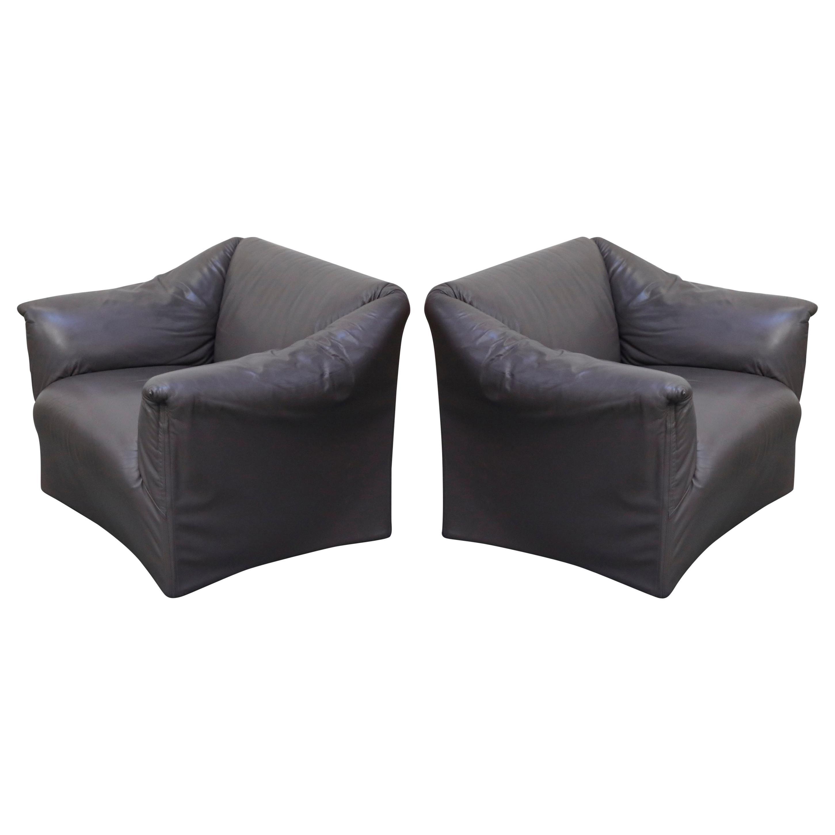 Mario Bellini Model 685 'Tentazione' Club Lounge Chairs in Leather, Signed