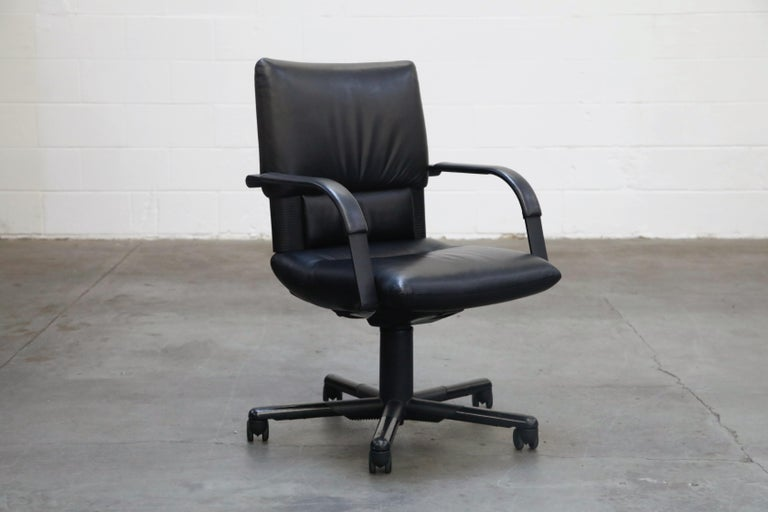 Mario Bellini Post-Modern Executive Desk Chair for Vitra, Signed and Dated 1992 In Good Condition For Sale In Los Angeles, CA