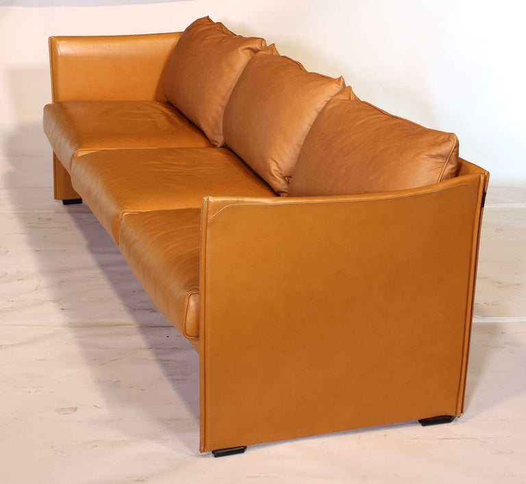 Mario Bellini Tilbury Three-Seat Leather Sofa or Couch For Sale 7