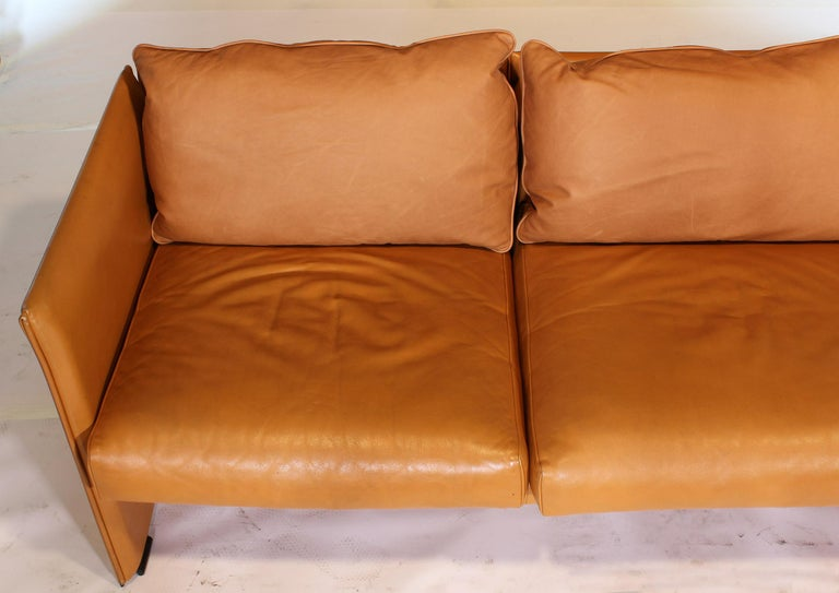 Mario Bellini Tilbury Three-Seat Leather Sofa or Couch For Sale 11
