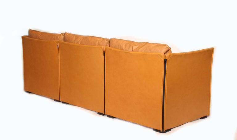 Mario Bellini Tilbury Three-Seat Leather Sofa or Couch For Sale 2