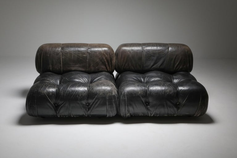 Mario Bellini's 'Camaleonda' Lounge Chairs in Original Black Leather In Good Condition For Sale In Antwerp, BE