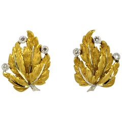 Mario Buccellati – 18 Karat Gold Clip-On Earrings with Diamonds, Italy, 1950s