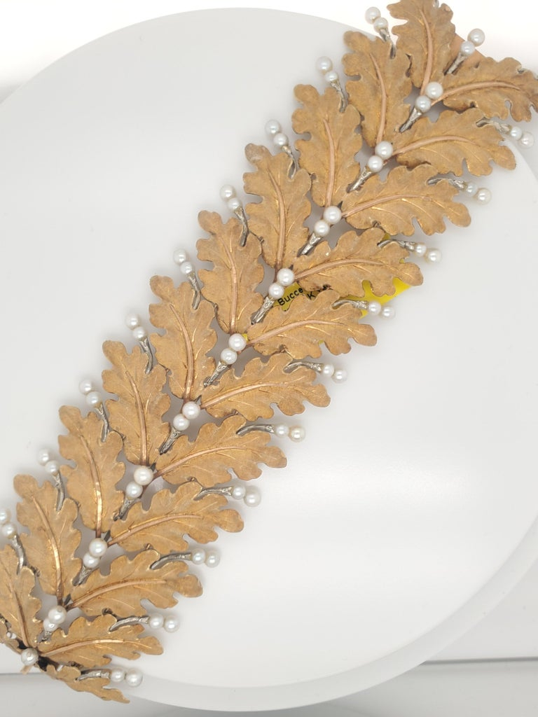Mario Buccellati Gold Leaf and Pearl Bracelet In Good Condition For Sale In New York, NY