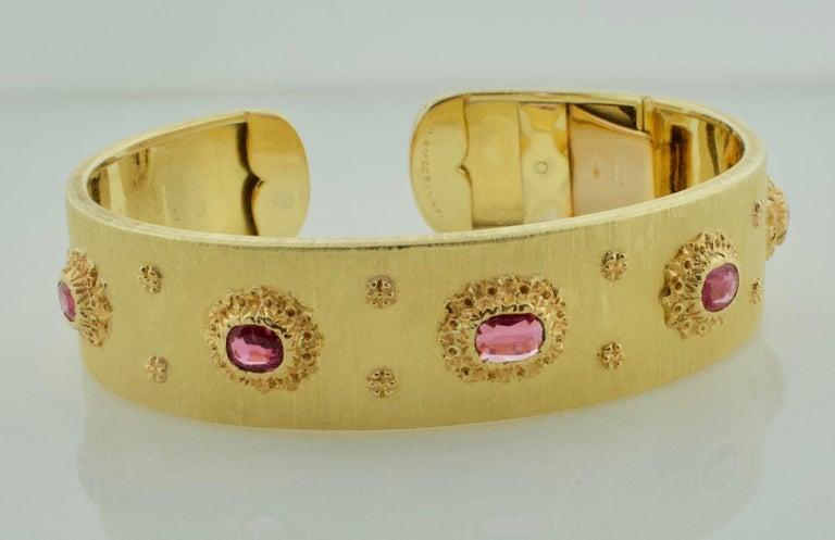 Mario Buccellati Ruby Bangle Bracelet in 18 Karat Yellow Gold For Sale 5