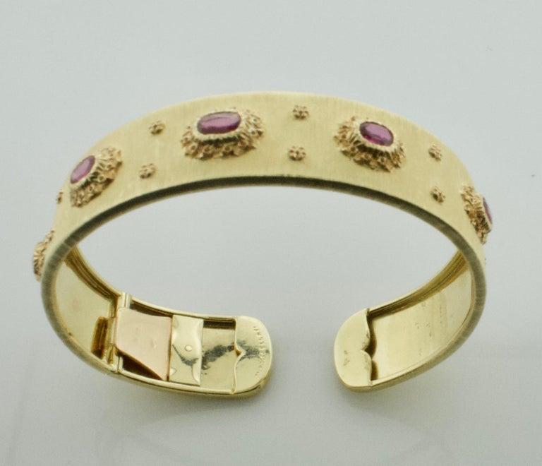 Women's or Men's Mario Buccellati Ruby Bangle Bracelet in 18 Karat Yellow Gold For Sale