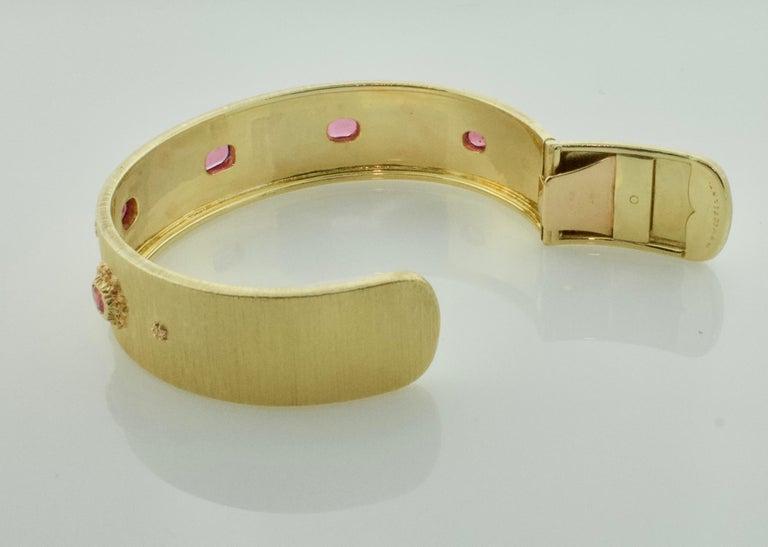 Mario Buccellati Ruby Bangle Bracelet in 18 Karat Yellow Gold For Sale 3